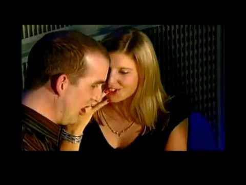 Body-Language-Indicators-of-Interest-IOIs
